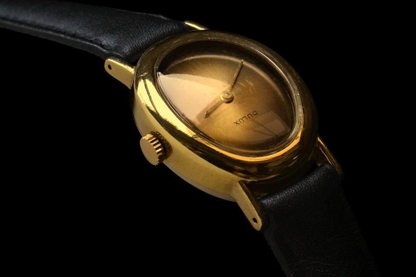 5f9d5d7778 1960年代に作られた女性用時計は、現代のものよりも小さなサイズです。他方、ムーヴメントには或る程度の厚みがあります。したがって現代の時計に比べると、女性用  ...